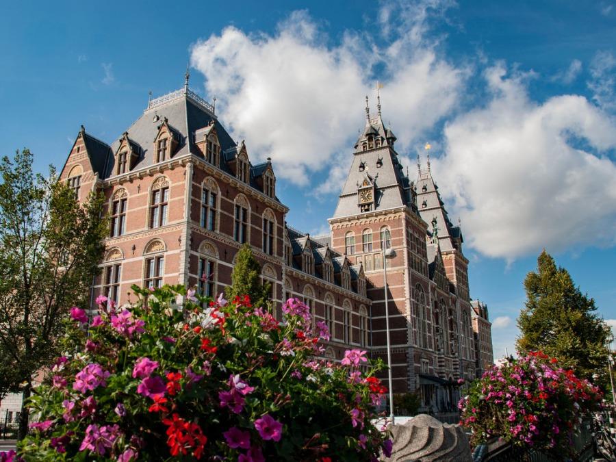 オランダ国内から日帰りでいけるアムステルダム国立博物館