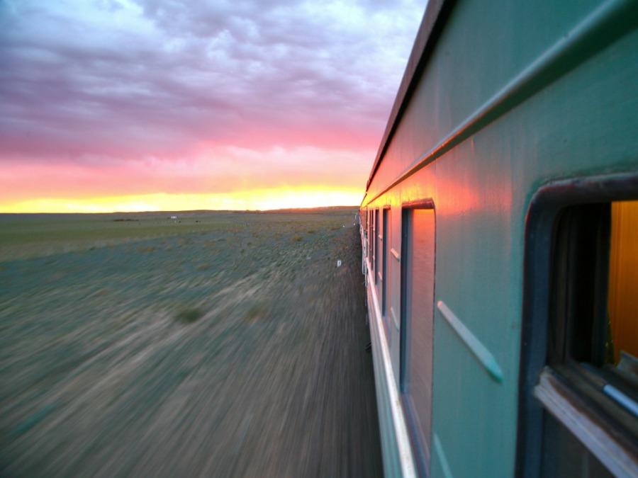 モスクワからシベリア鉄道の乗った時の体験談