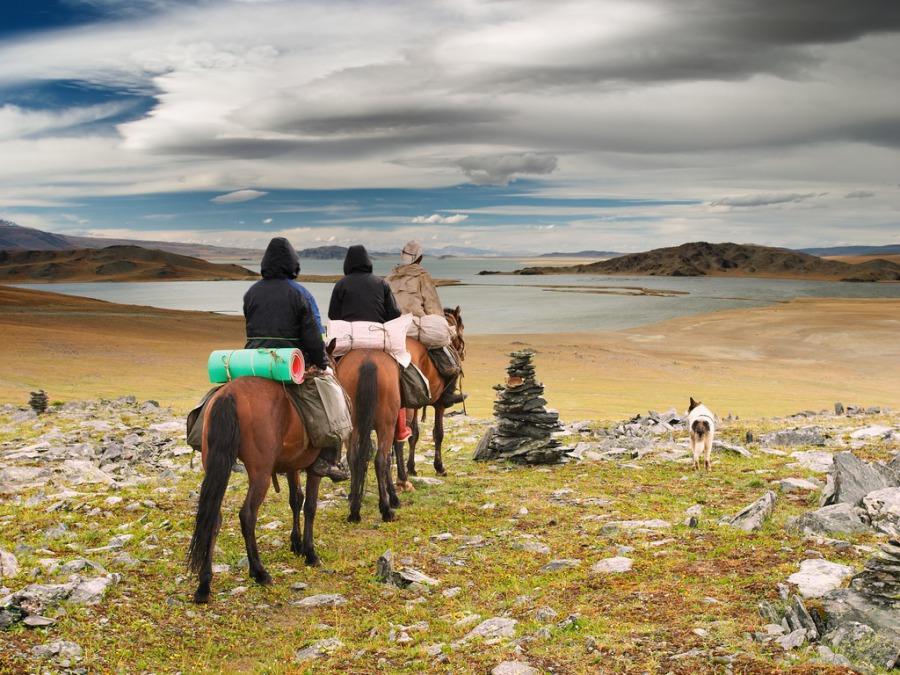 モンゴルで憧れの乗馬体験をしました